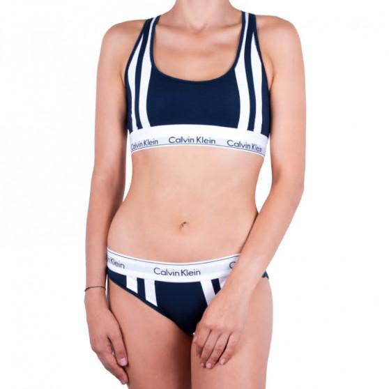 Dámská tanga Calvin Klein tmavě modrá (QF4595E-0PP)